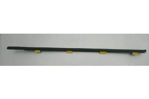 Уплотнение резиновое стекла прав пер двери (фетра) Honda CR-V 02-07