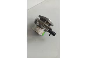 Вакуумный насос Renault Kangoo 1.5 DCI 2010 гг 146505272R