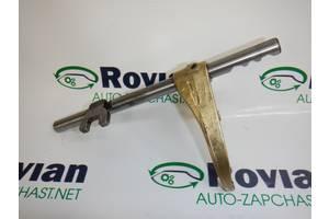 Вилка КПП (1,5 dci V ) Renault KANGOO 1 2003-2008 (Рено Кенго), БУ-182190