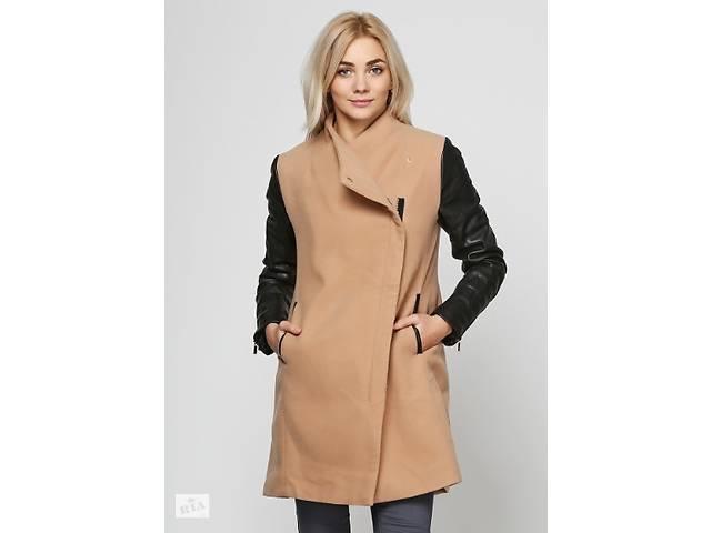 Женские пальто Stradivarius - Женская верхняя одежда в Львове на RIA.com 7e51b0d1fe4fb