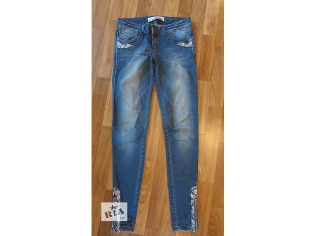 продам Женские джинсы в хорошем состоянии бу в Киеве