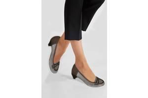Жіночі туфлі на каблуку в Самборі - Одяг e4bd984bae6d3