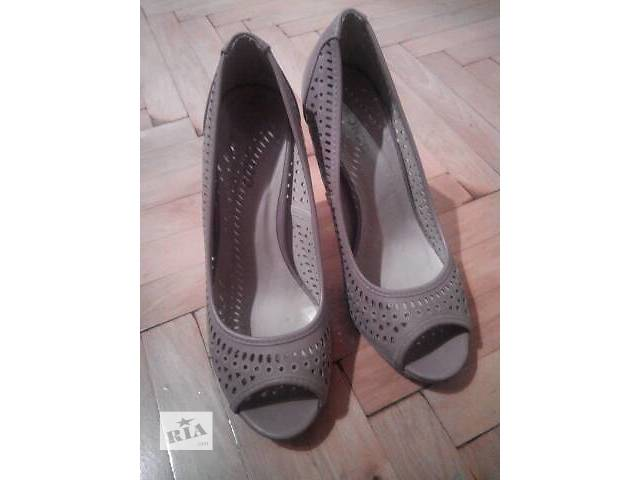 продам Женская обувь бу в Тернополе