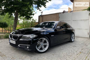 BMW 520 LUXURY  2013