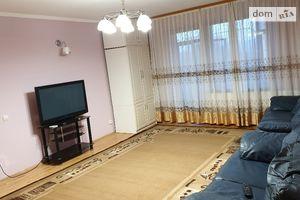 Сдается в аренду 4-комнатная квартира 75 кв. м в Ужгороде