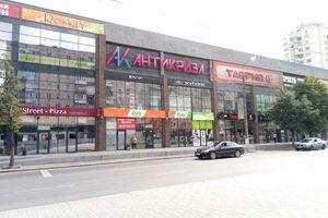 Сдается в аренду торгово-развлекательный комплекс 78.9 кв. м в 3-этажном здании