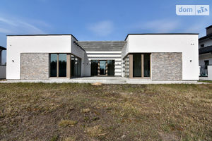 Продається одноповерховий будинок 202 кв. м з мансардою