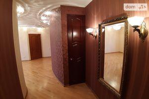 Продається 3-кімнатна квартира 82.8 кв. м у Чернігові