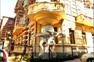 Продается 5-комнатная квартира 196 кв. м в Одессе