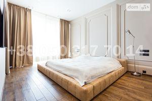 Продается 4-комнатная квартира 360 кв. м в Киеве