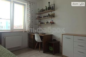 Продається 2-кімнатна квартира 61 кв. м у Києво-Святошинську