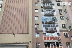 Продається 3-кімнатна квартира 143.5 кв. м у Чернігові