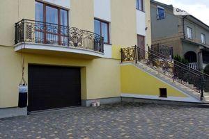 Сдается в аренду одноэтажный дом 360 кв. м с камином