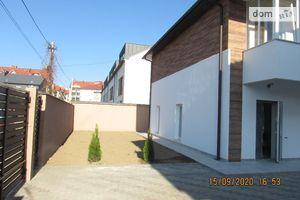 Продается 4-комнатная квартира 107 кв. м в Ужгороде