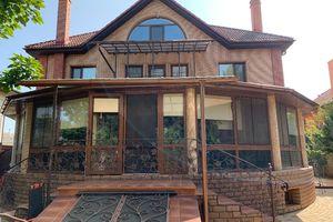 Продается дом на 3 этажа 340 кв. м с террасой