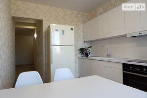 Продается 2-комнатная квартира 65 кв. м в Харькове