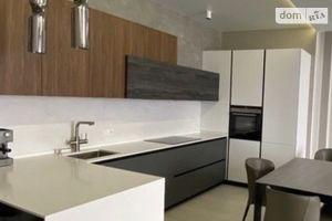 Продається 3-кімнатна квартира 120 кв. м у Одесі