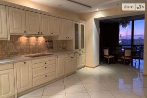 Продается 3-комнатная квартира 240 кв. м в Одессе