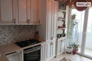 Продается 4-комнатная квартира 70.6 кв. м в Киево-Святошинске