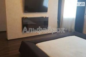 Продается 3-комнатная квартира 103 кв. м в Вышгороде
