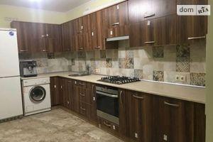 Сдается в аренду 3-комнатная квартира 90 кв. м в Ивано-Франковске