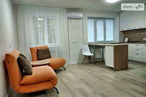 Сдается в аренду 1-комнатная квартира 30 кв. м в Днепре