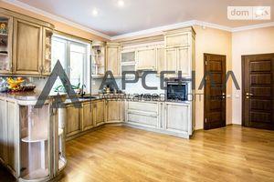 Продается дом на 2 этажа 175 кв. м с мансардой