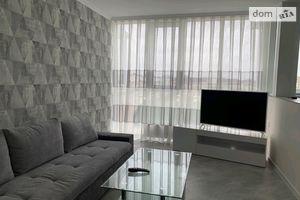 Сдается в аренду 3-комнатная квартира 100 кв. м в Черновцах