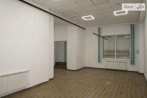 Продається нежитлове приміщення в житловому будинку 66 кв. м в 3-поверховій будівлі