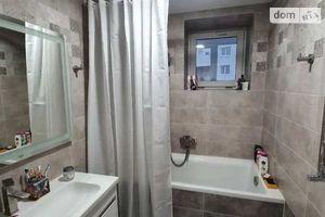Продается 2-комнатная квартира 77 кв. м в Полтаве