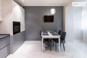 Продається 2-кімнатна квартира 80 кв. м у Хмельницькому