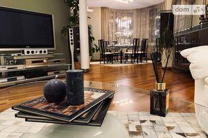 Сдается в аренду 3-комнатная квартира 136 кв. м в Киеве