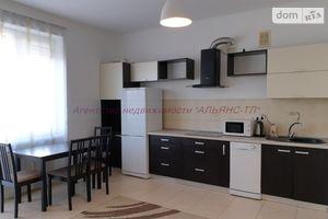 Продается 2-комнатная квартира 70 кв. м в Ужгороде