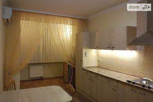Сдается в аренду 1-комнатная квартира 58.8 кв. м в Киеве