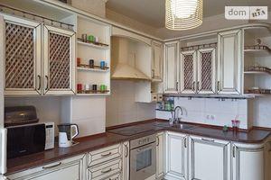Продается 3-комнатная квартира 76.4 кв. м в Одессе