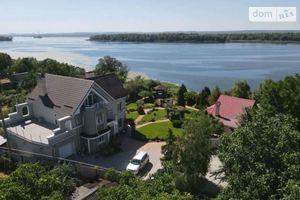 Продается дом на 3 этажа 462 кв. м с верандой