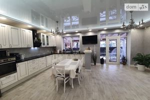 Продается дом на 2 этажа 133 кв. м с мансардой