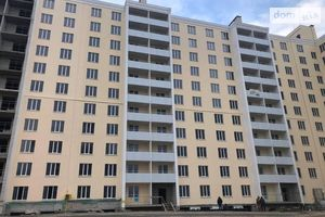 Продається 2-кімнатна квартира 69.04 кв. м у Чернігові
