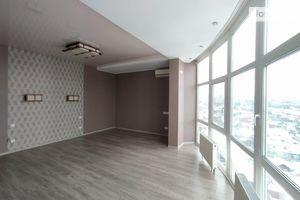 Продается 3-комнатная квартира 92 кв. м в Чернигове