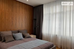 Сдается в аренду 3-комнатная квартира 117 кв. м в Киеве