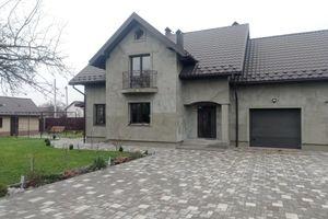 Продается одноэтажный дом 200 кв. м с балконом