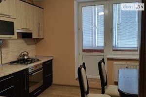 Продается 2-комнатная квартира 67.5 кв. м в Ровно