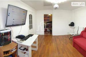 Продается 3-комнатная квартира 77.5 кв. м в Киеве