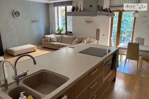 Продается 3-комнатная квартира 136 кв. м в Днепре