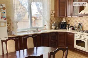 Продается дом на 2 этажа 215 кв. м с камином