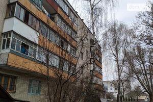 Продается 1-комнатная квартира 25 кв. м в Чернигове