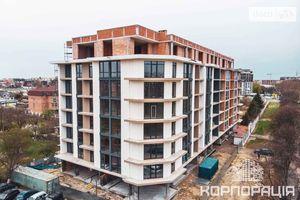 Продается 1-комнатная квартира 47 кв. м в Ужгороде