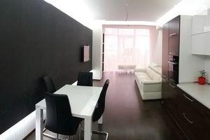 Продается 2-комнатная квартира 100 кв. м в Одессе