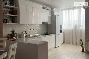 Продается 3-комнатная квартира 91 кв. м в Хмельницком