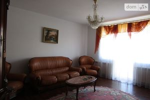 Сдается в аренду 2-комнатная квартира 75 кв. м в Ужгороде